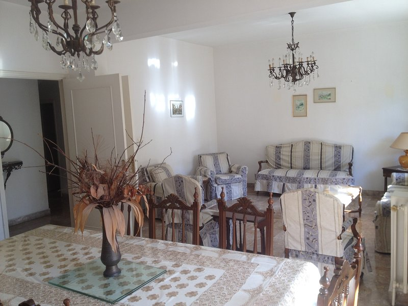 Apartment in Achrafieh, vacation rental in Dbayeh