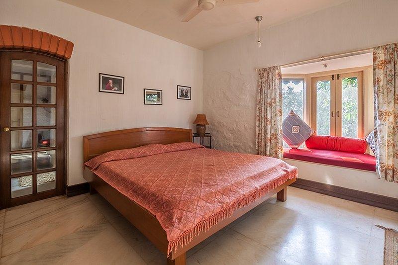 Schlafzimmer mit Außenansicht