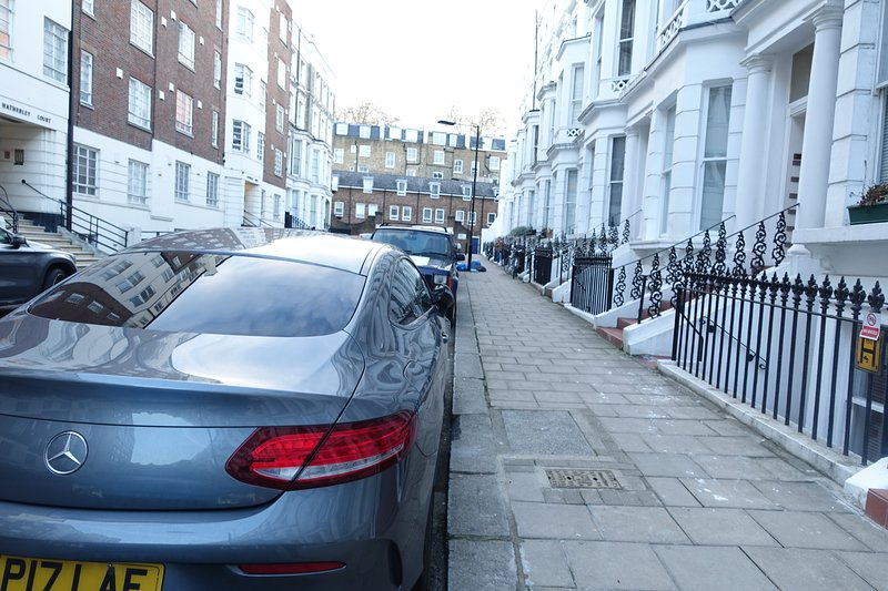 Perfect location 2+ bed flat 5 mins to Hyde Park, 3 tubes, fast wifi & Netflix, Ferienwohnung in Willesden