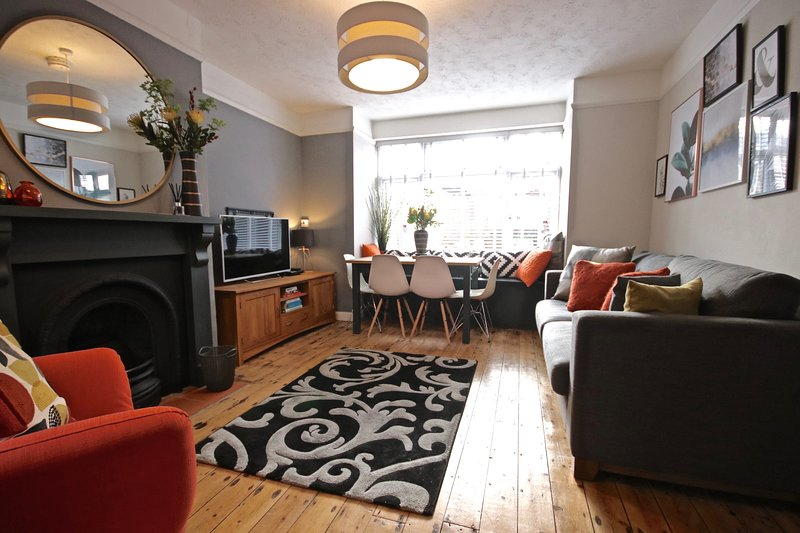 City of Norwich - Refurbished Sept 2020. 3 Bedrooms for up to 8., Ferienwohnung in Drayton