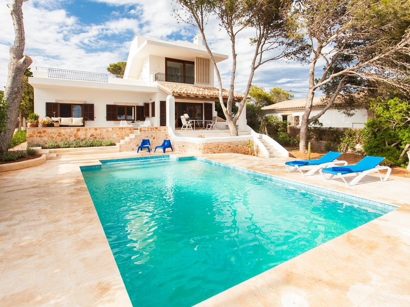 Villa Estrella Sea View. Houses & Villas, Mallorca Rentals, holiday rental in Cala Figuera