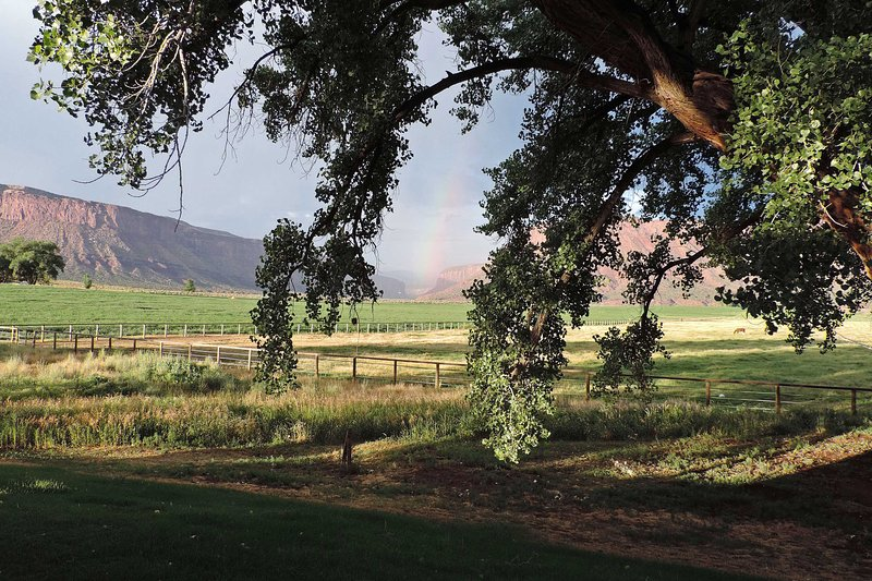 Besuchen Sie dieses Südwest-Stil Ferienhaus Haus in einem schönen Red Rock Valley!