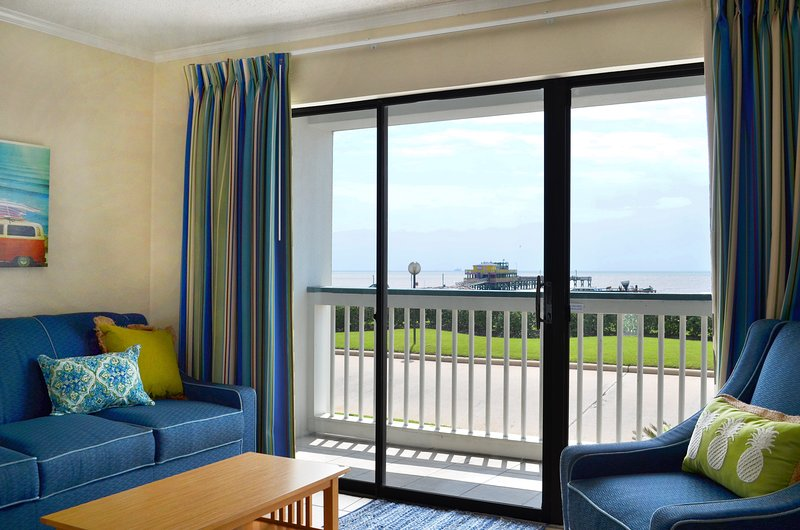 Venha desfrutar desta vista condomínio frente row oceano em Galveston Island-excelentes preços e um grande momento neste verão! bilhetes atividade livre fornecidos todos os dias!
