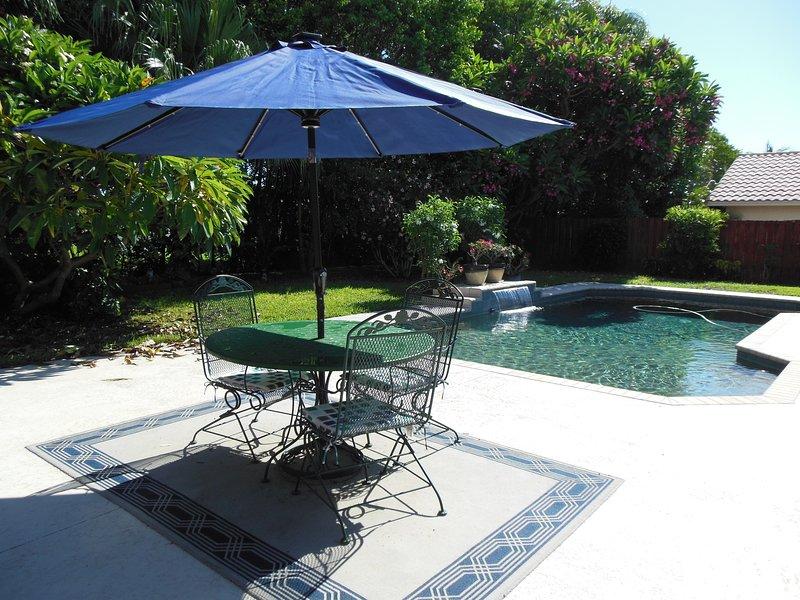 Back Yard piscina con recinzione privata