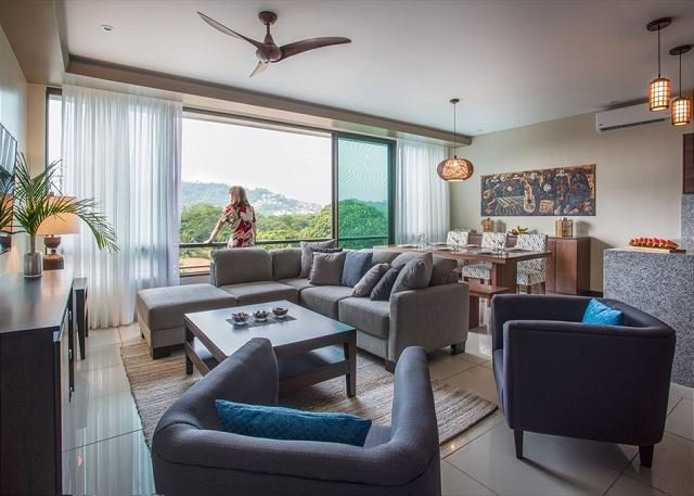 Especial Semana Santa,lujoso apartamento ubicado a poca distancia de la playa, aluguéis de temporada em Playa Hermosa