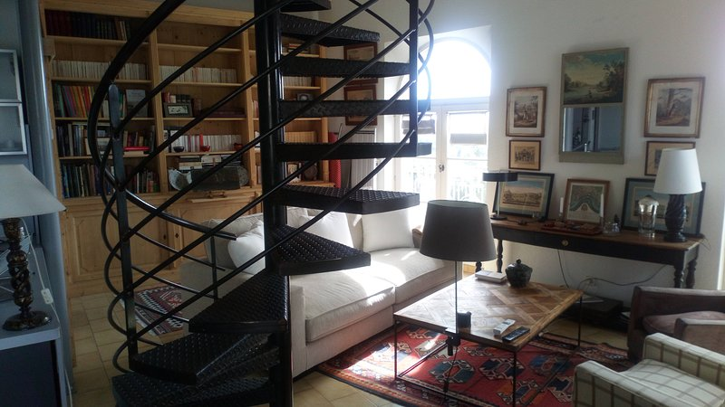 Les remparts, holiday rental in Jonquerettes