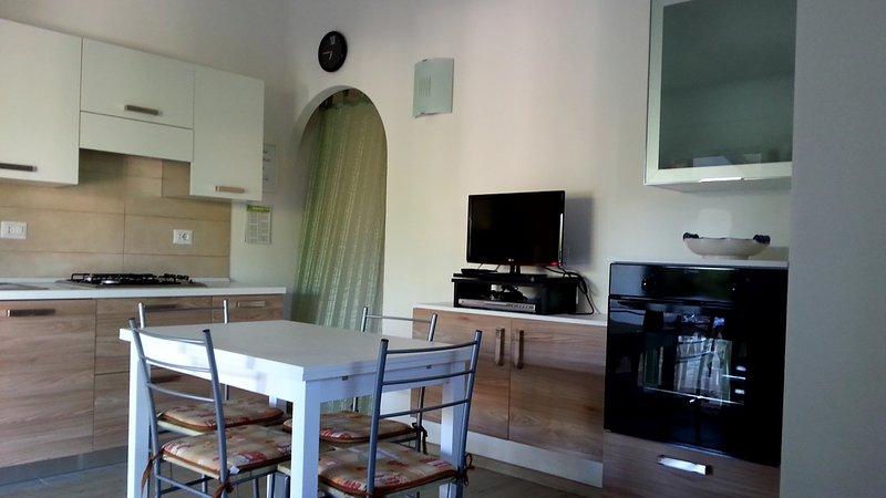 casa capo schiera con finiture di pregio, vacation rental in Suaredda-Traversa