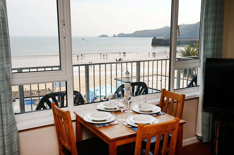 Sea Front Apartment - Spectacular Coastal Views, vacation rental in Saundersfoot