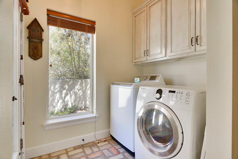 Beach Life Bliss-tvättmaskin / torktumlare rum på huvudnivå