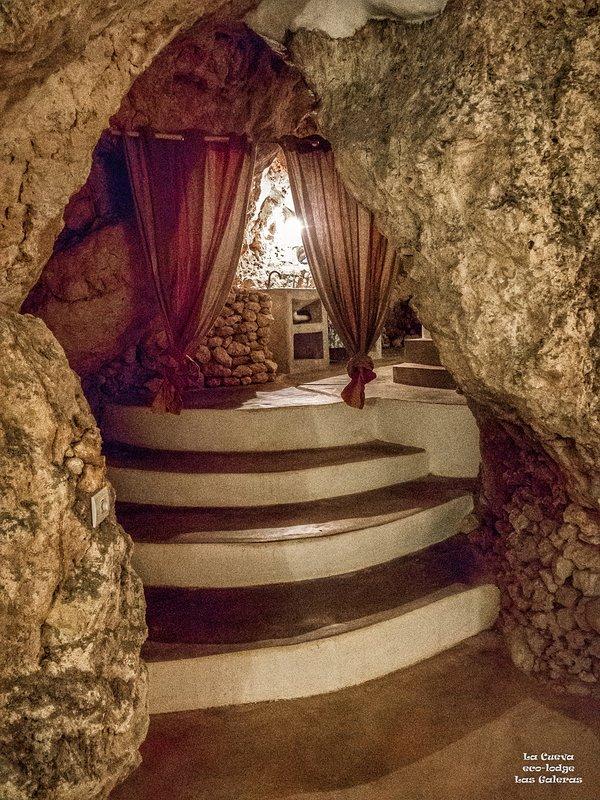A entrada para La Cueva ( 'The Cave) banheiro da sala de estar