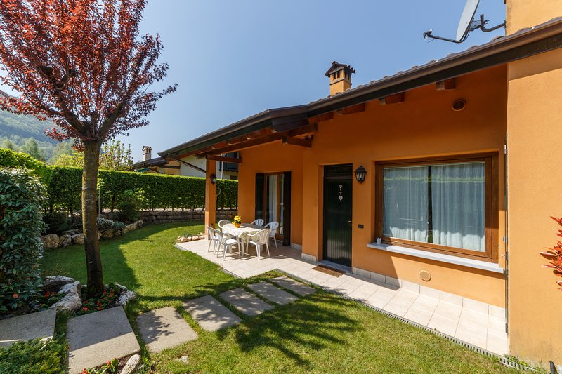 "Casa Vacanza - ""RESIDENCE LAGO DI ENDINE"", holiday rental in Province of Bergamo"