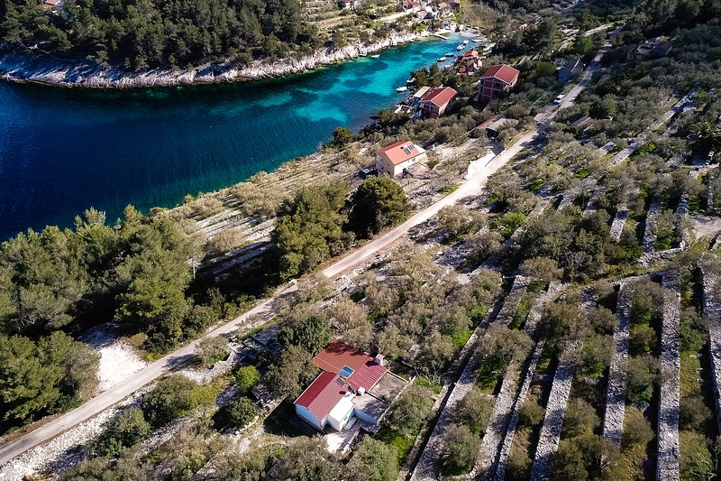 Solar Cottage house Planika, vacation rental in Vela Luka