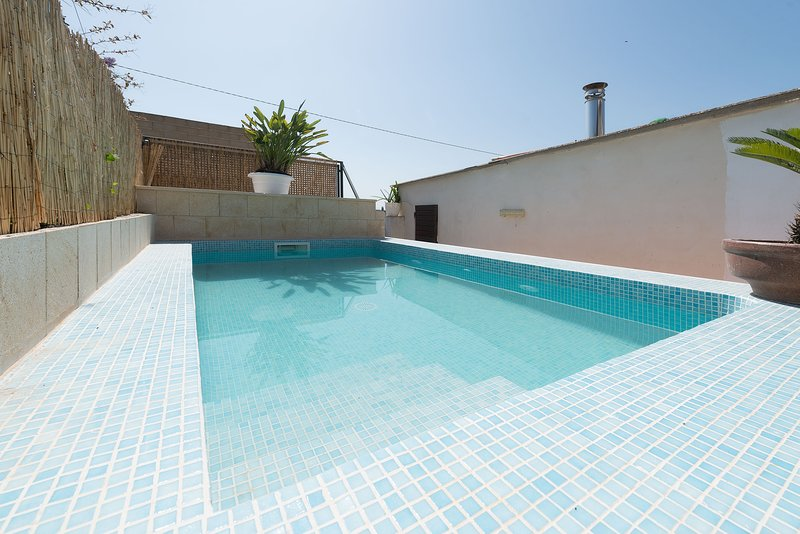 CASA LLUBI - Villa for 6 people in Llubí, holiday rental in Llubi