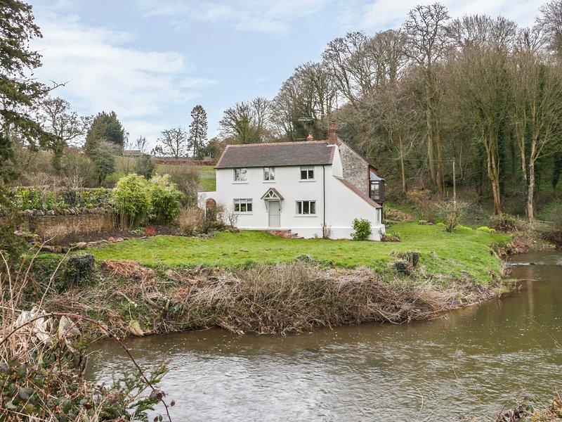 PRESCOTT MILL COTTAGE, garden, near Stottesdon, Ref 974673, vacation rental in Cleobury Mortimer