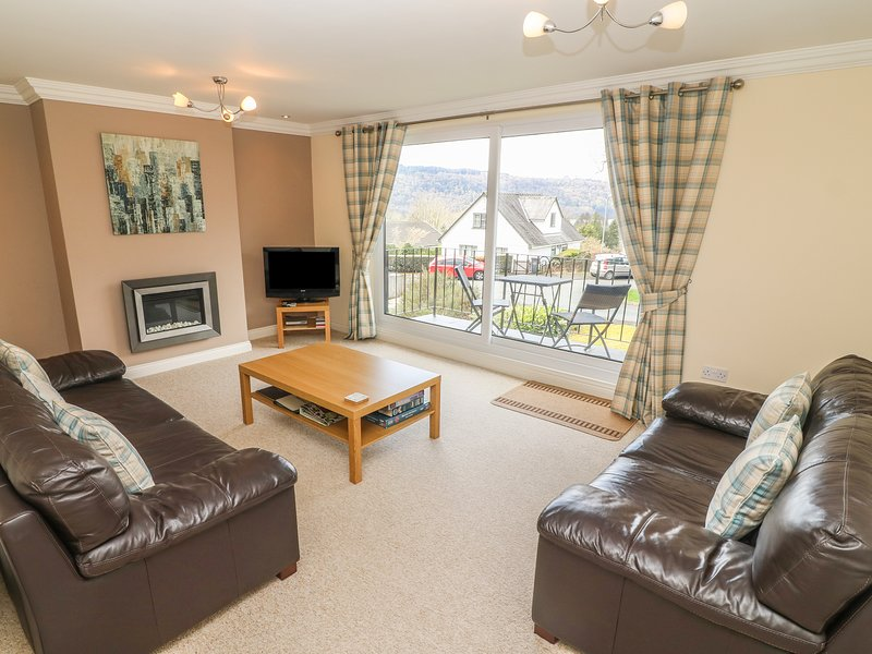 LOWER BRANTFELL, ground floor apartment, Bowness on Windermere, lake nearby Ref, holiday rental in Bowness-on-Windermere