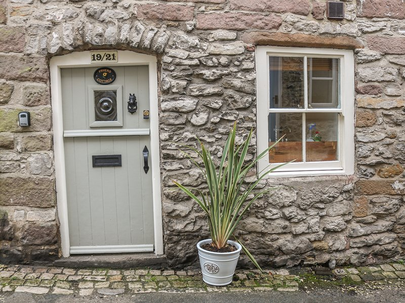 Fryers Cottage, woodburner, exposed beams, in Wirksworth, holiday rental in Wirksworth