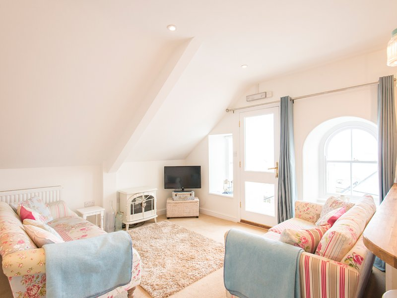 SPIRAL VIEW, scenic views, ideal for beach holidays, open-plan, in Perranporth, Ferienwohnung in Perranporth