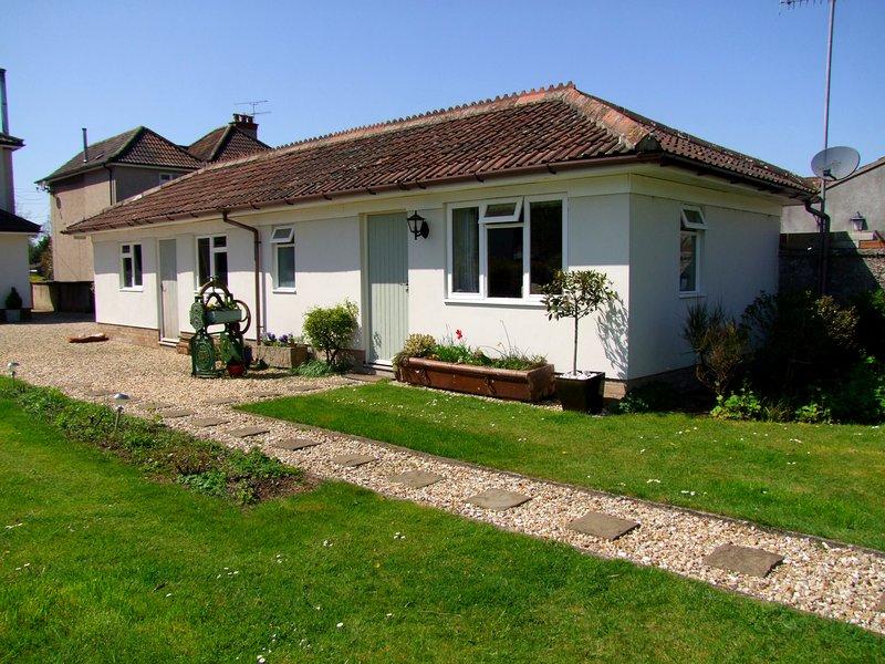 Garden Studio within Cheddar Village, location de vacances à Draycott