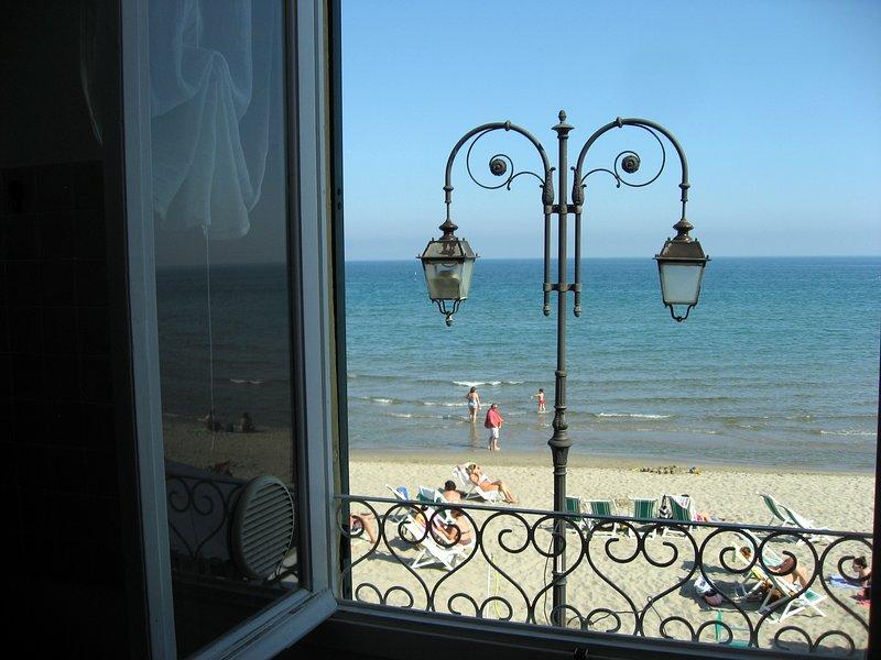 La Casina Fronte Mare - 5 Posti Letto, location de vacances à Alassio