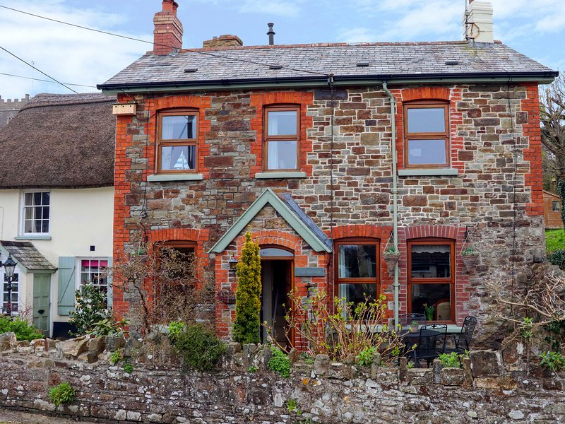 ELM COTTAGE, family friendly, with open fire in Westleigh, Ref 3792, vacation rental in Saunton