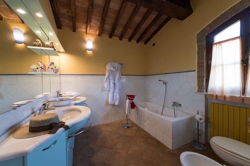 Il terzo bagno (con vasca/doccia)