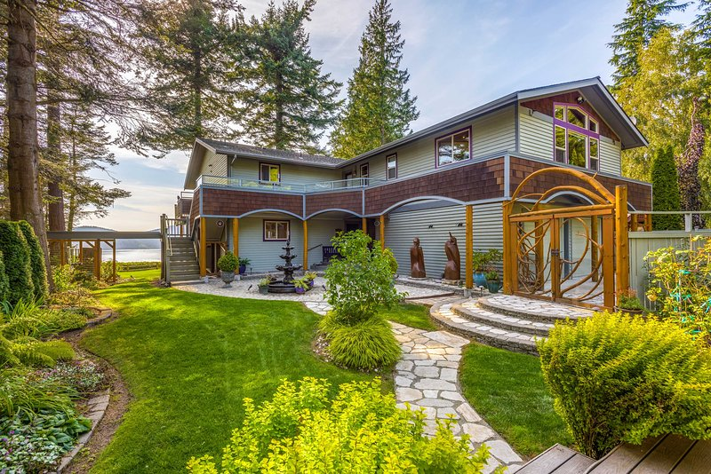 Custom Guemes Home w/ Spectacular Water Views!, vacation rental in Anacortes