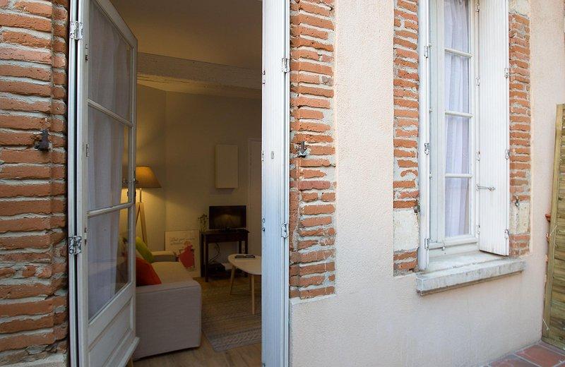 L'ESQUILE - Charmant duplex avec terrasse, location de vacances à Blagnac