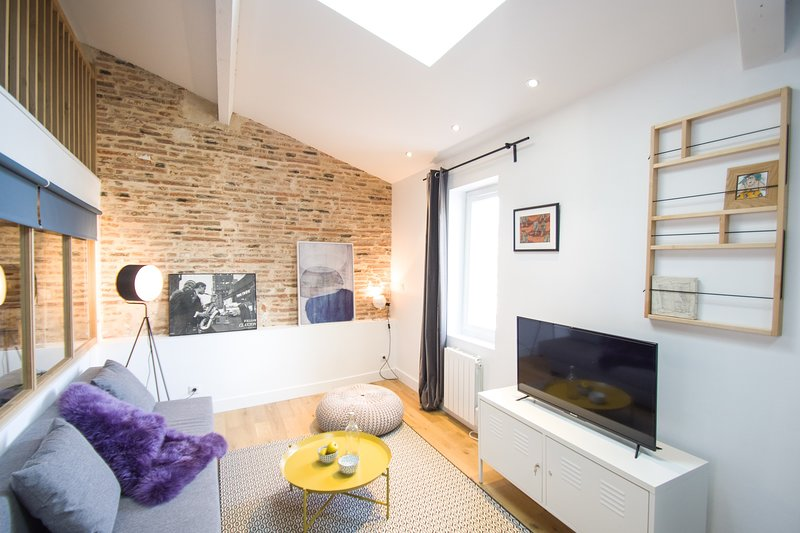 ACHILLE - Magnifique appartement avec briques apparentes, casa vacanza a Tolosa