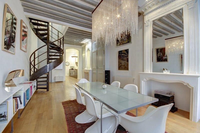 Divine - superbe loft plein centre Bordeaux, location de vacances à Villenave D'ornon