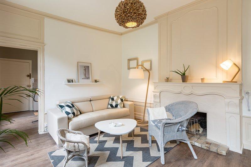 Ambre, grand studio de charme centre historique, holiday rental in Rennes
