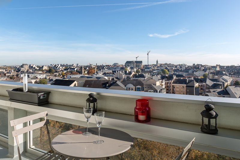 TREGOR - appt 80m2 - 2 ch - Parking + Vue sublime, vacation rental in Rennes