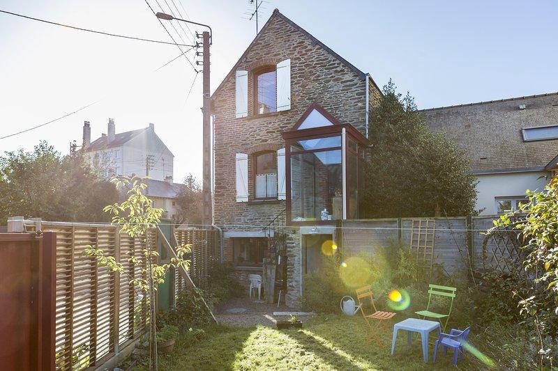 Les Ormeaux, Maison avec jardin, parking facile, casa vacanza a Plechatel