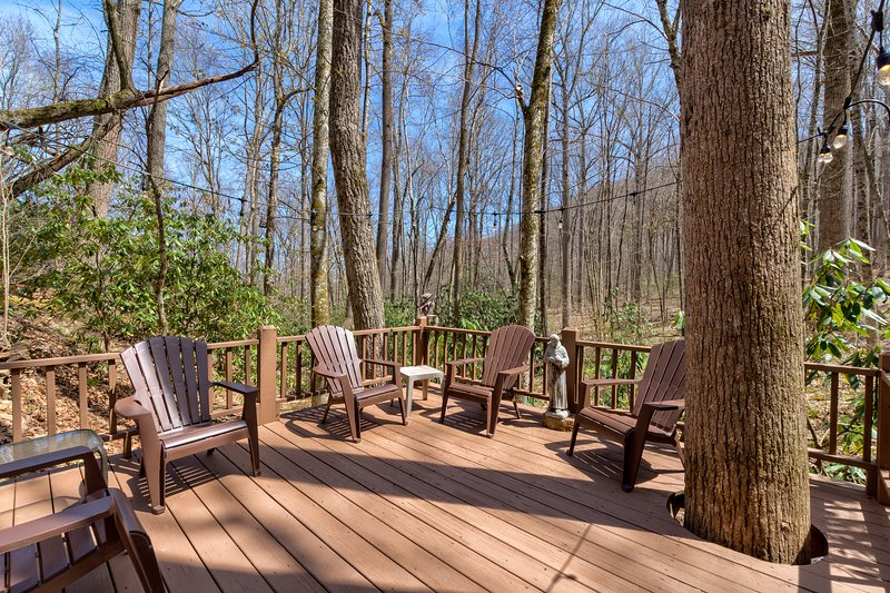 lower deck seating over the deck