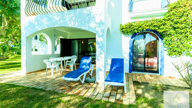 Vale do Garrao Apartment Sleeps 4 with Air Con and WiFi - 5607811, location de vacances à Vale do Garrao