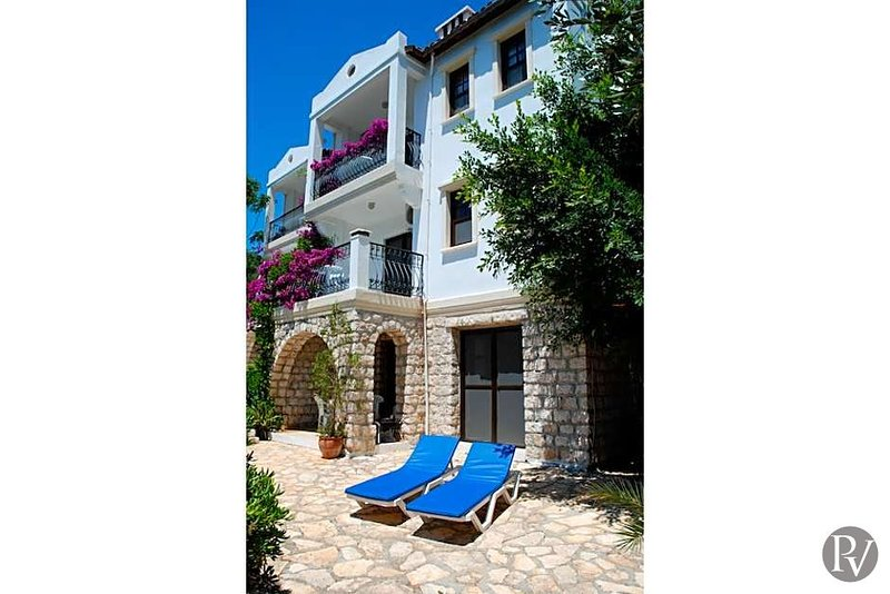 Kas Villa Sleeps 7 with Pool and Air Con - 5433107, holiday rental in Kastellorizo