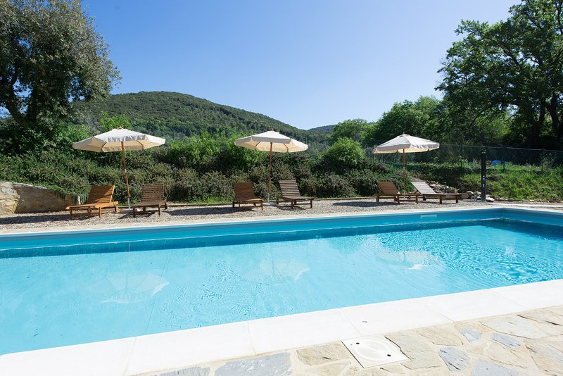 Villa A Sesta Apartment Sleeps 5 with Pool Air Con and WiFi - 5242051, location de vacances à San Gusme