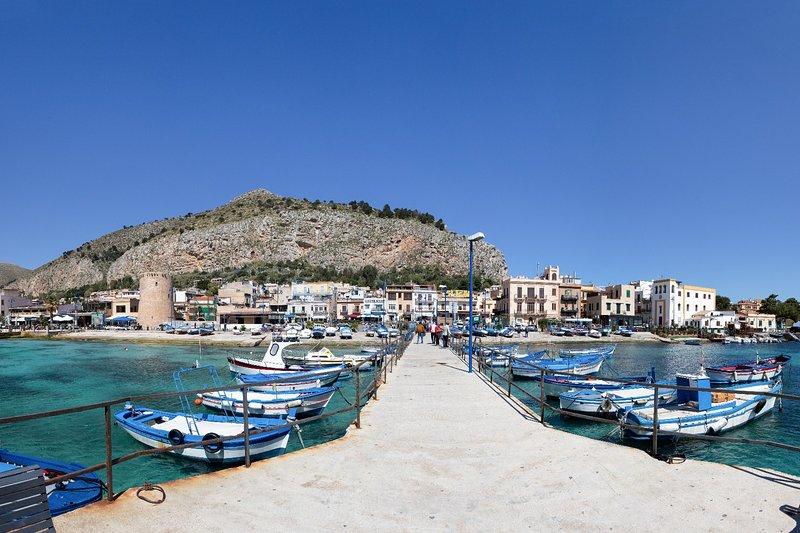 Bellissimo appartamento sul mare, holiday rental in Mondello