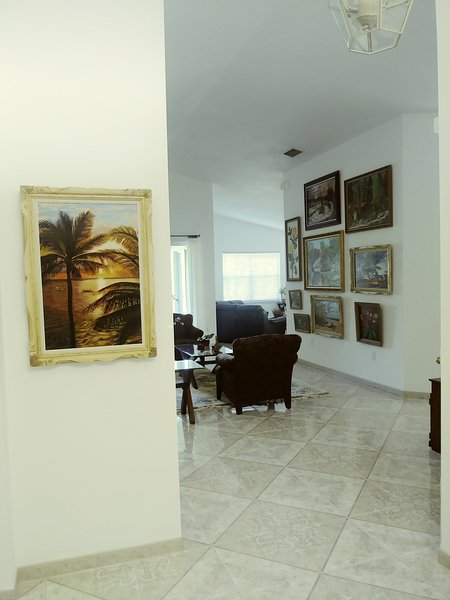 BEAUTIFUL HOUSE TO STAY FOR VACATION OR BUSINESS, holiday rental in Miami Lakes