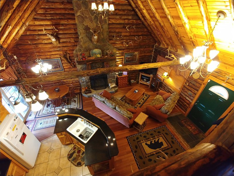 Possum Lodge Cabins Best Ohio Cabin Rental Secluded On 64 Acres - Pets OK, alquiler de vacaciones en Freeport