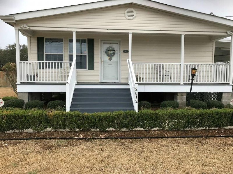 Escape the Big Easy from Terrytown, LA, holiday rental in Saint Bernard