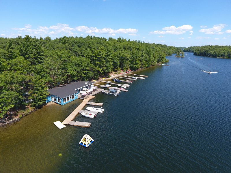 Beachfront Cottages, Parry Sound, Georgian Bay – semesterbostad i Northeastern Ontario