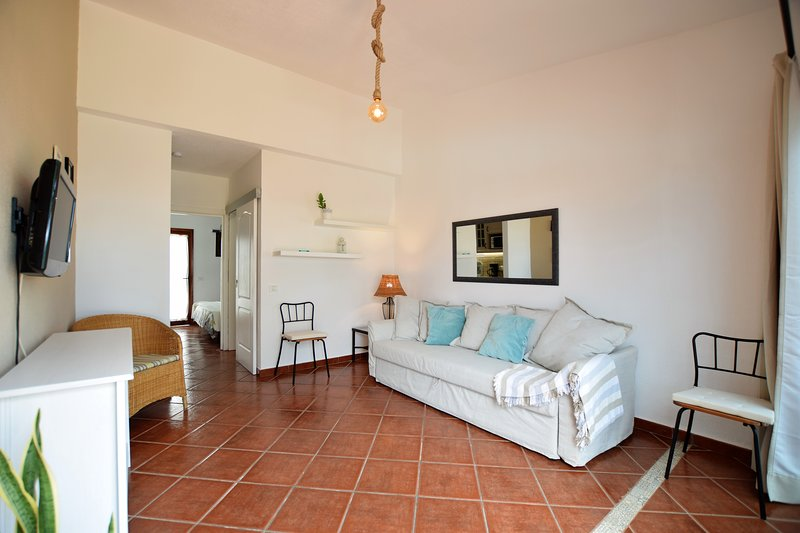 Perfect location9 to enjoy the Movida Canaria,Dunes about 500 meters wifi free, vacation rental in Maspalomas