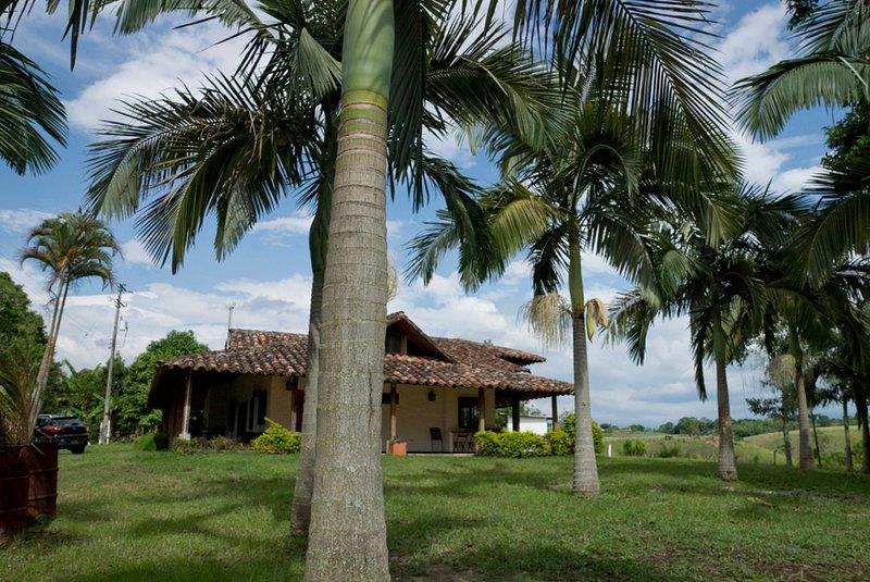 Finca 13 personas desde 370 mil pesos, holiday rental in Alcala
