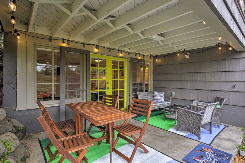Experience the Emerald City from this 1-bedroom, 1-bath vacation rental!