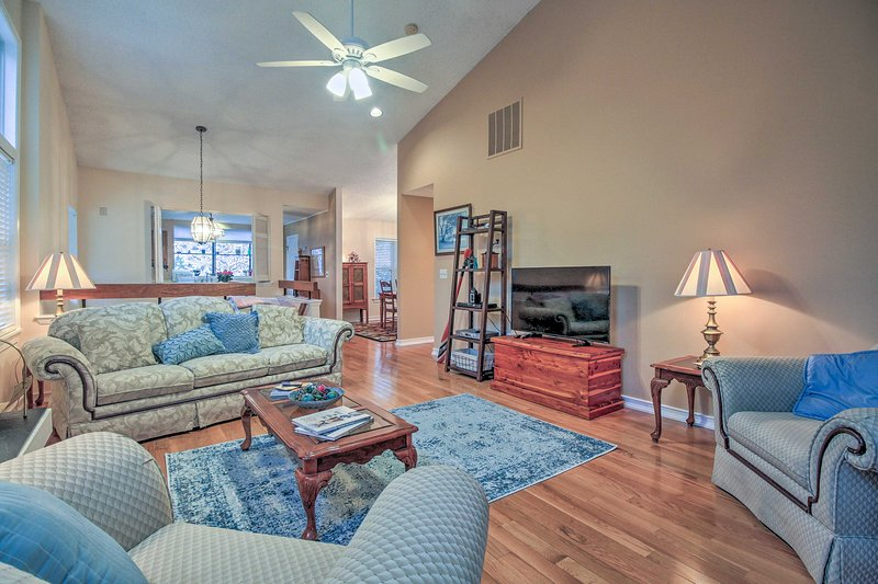 Enjoy an easy-going getaway at this Annapolis vacation rental townhome!