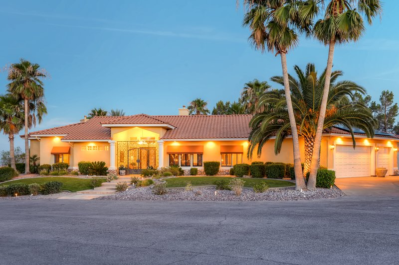 This vacation rental home is just minutes from Las Vegas' top attractions!