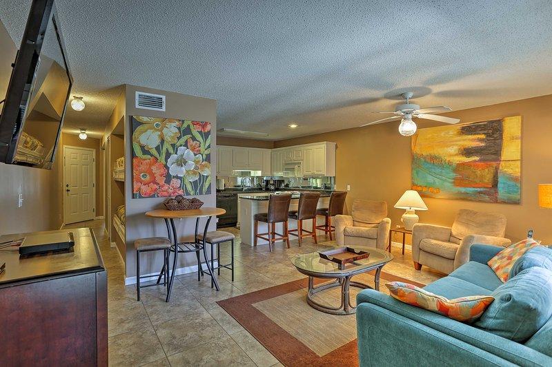 Kom tot rust in deze 1-slaapkamer, 1.5-badkamer Condo in Panama City Beach.