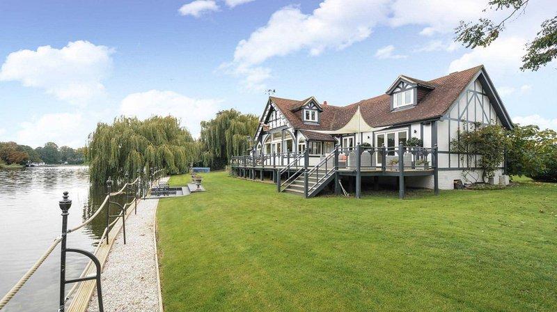 King Edward House Windsor - luxury riverside property for ...