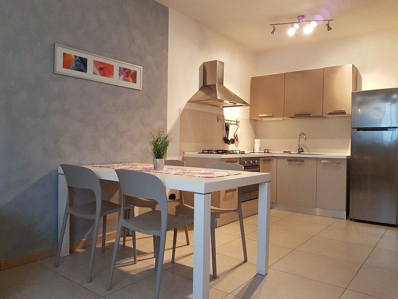ANTICO VOLTO - Appartamento Rosa, vacation rental in Calmasino
