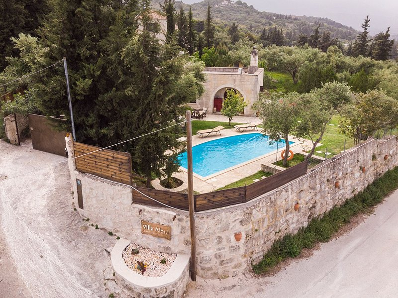 Villa Aloni,Crete,Greece, vacation rental in Maza